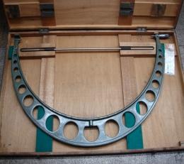 마이크로미터 측정기 825-850mm