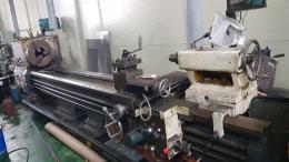 범용선반 650X4000 주축스핀들 관통경230mm