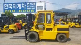 4.5톤 디젤지게차 두산D45S모델 3단마스트 4250MM