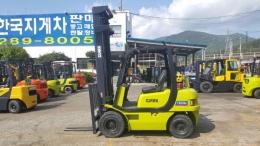 2.5톤 디젤지게차 07년식 클라크FX253D 모델 3단하이마스트