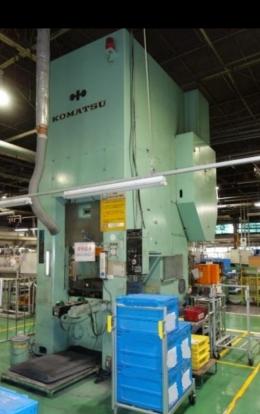 고마츠(KOMATSU) 630톤 너클조인트(냉간단조)프레스