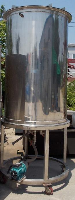스텐탱크,저장탱크,스텐저장탱크,음료저장탱크,액상저장탱크,액체저장탱크