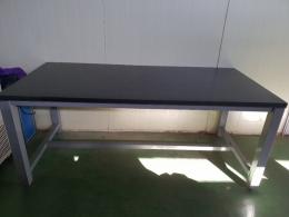 실험실용 테이블(1680×800×700)