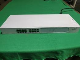 Baseline  10/100 Switch 16,16포트 스위칭 허브,All ports are Auto MDI/MDI-X