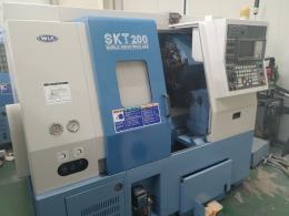 위아 8인치 SKT200 CNC선반