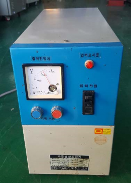 A.V.R(자동전압조정기)