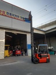 직수입- NISSAN(닛산) 2.5톤 3단 마스타(5.5m) 전동지게차