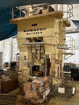 고마츠 630톤 너클프레스