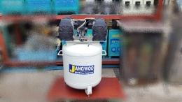 오일레스 콤프레샤 mini oil-less air compressor 에어탱크100리터 (7bar) 모터500w x 2 단상220v