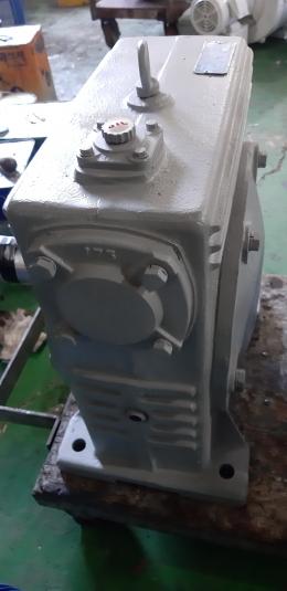 삼양  WU-175형 비율 60/1  웜 감속기 / 모터