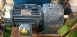 현대 기어드모터 15마력 3:1 / 11KW 6극  380V 15마력 모터