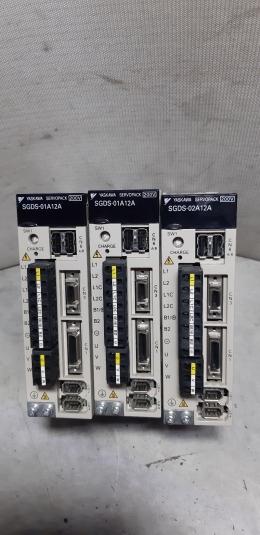 SGDS-01A12A / YASKAWA SERVOPACK 100W