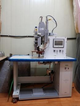 심실링 접착 및 카팅기계