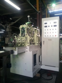 VACUUM EXTRUDER MACHINE (진공압출기)