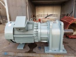 효성 기어드 모터 125HP*4P*60HZ*380V (1/60)
