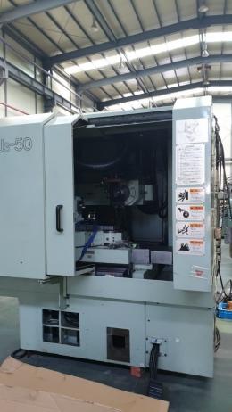 CNC 공구연삭기