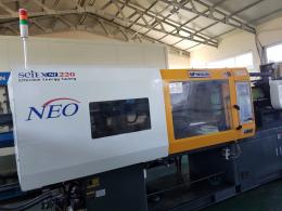 우진 NE 220톤 08년 2대 로봇포함 중고 사출기