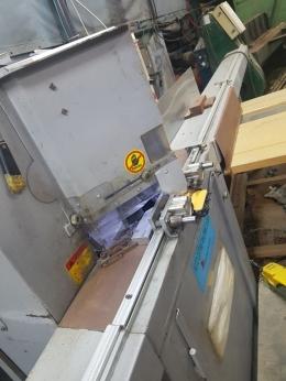 알미늄톱기계