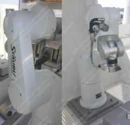 St?ubli TX90 산업용 로봇팔