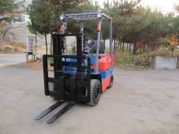 토요타 1.8톤 지게차 가솔린 엔진 마스트 높이 2미터 400만원