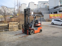 토요타 1톤 전동 지게차 7FB 사이드쉬프트 하이마스트 4미터 2014년식 1,150만원