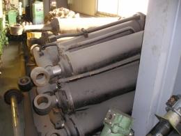 유압실린더 튜브Φ180 x 로드Φ90 x 900스트로크