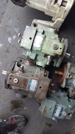 YUKEN 피스톤펌프 [A56-L-R-01-B-K-32]