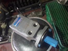 TOKIMEC 유압모터 [CR-18-4P4L-30-JA-J]