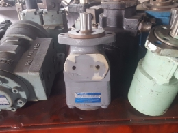 TOKIMEC 유압모터 [CR-04-2GT0-30-JA]