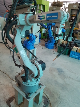 HP6, 야스카와로봇, 용접로봇,  야스가와로보트, 로보트, 로봇암, 용접로보트