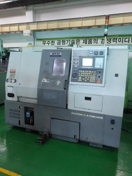 위아SKT21 , CNC선반 (판매완료)