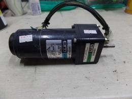 ORIENTAL MOTORAC MAGNETIC BRAKE SPEED CONTROL MOTOR / GEAR HEAD2RK6RGN-AM / 2GN60K
