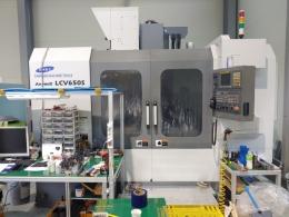 수직머시닝센터,중고수직머시닝센터,LCV650S 200911 칩컨베이어 금형옵션