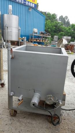 2중온수사각탱크
