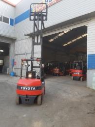 직수입-TOYOTA 2.5톤 3단마스타(5m) 전동지게차