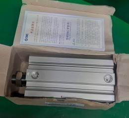 SMC CQ2B63-100DM 실린더 미사용품 박스