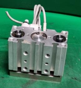 SMC MGPL16-10 실린더