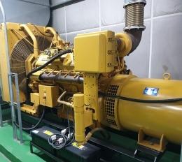발전기(중고발전기)비상용발전기 방음용발전기 캐타필라500kw급판매