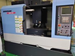 중고수직머시닝센터 DNM400 2011 12K  AUTO POWER OFF